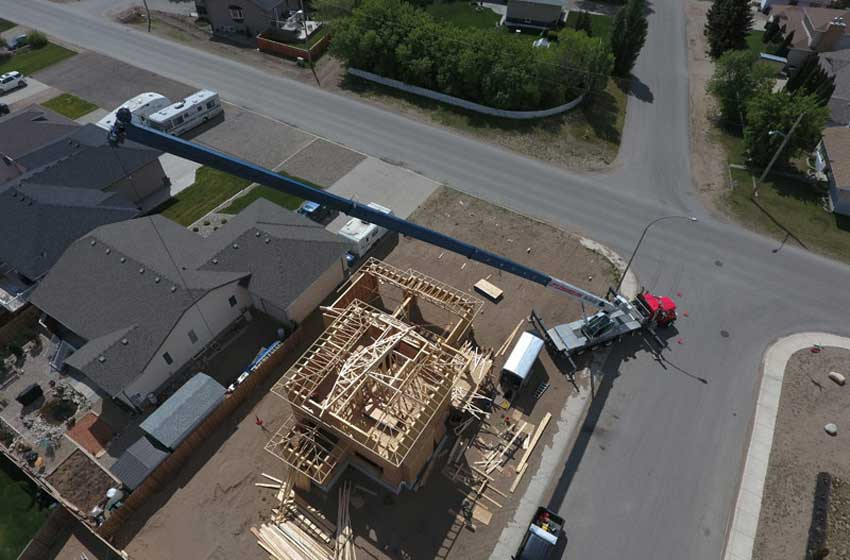 Placing roof trusses
